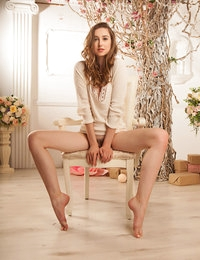 Coinia featuring Ginger Frost by Nudero