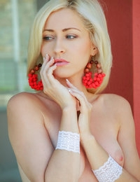 Kiely featuring Janelle B by Arkisi