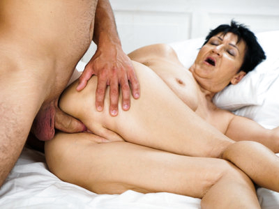 Old granny Anastasia gets fuck by Rob and loves it!