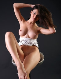 Excellent jasmine slowly removes her sexy clothes off