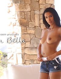 Karmen Bella