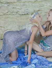 EMPREGO with Nika N, Milena D - SexArt
